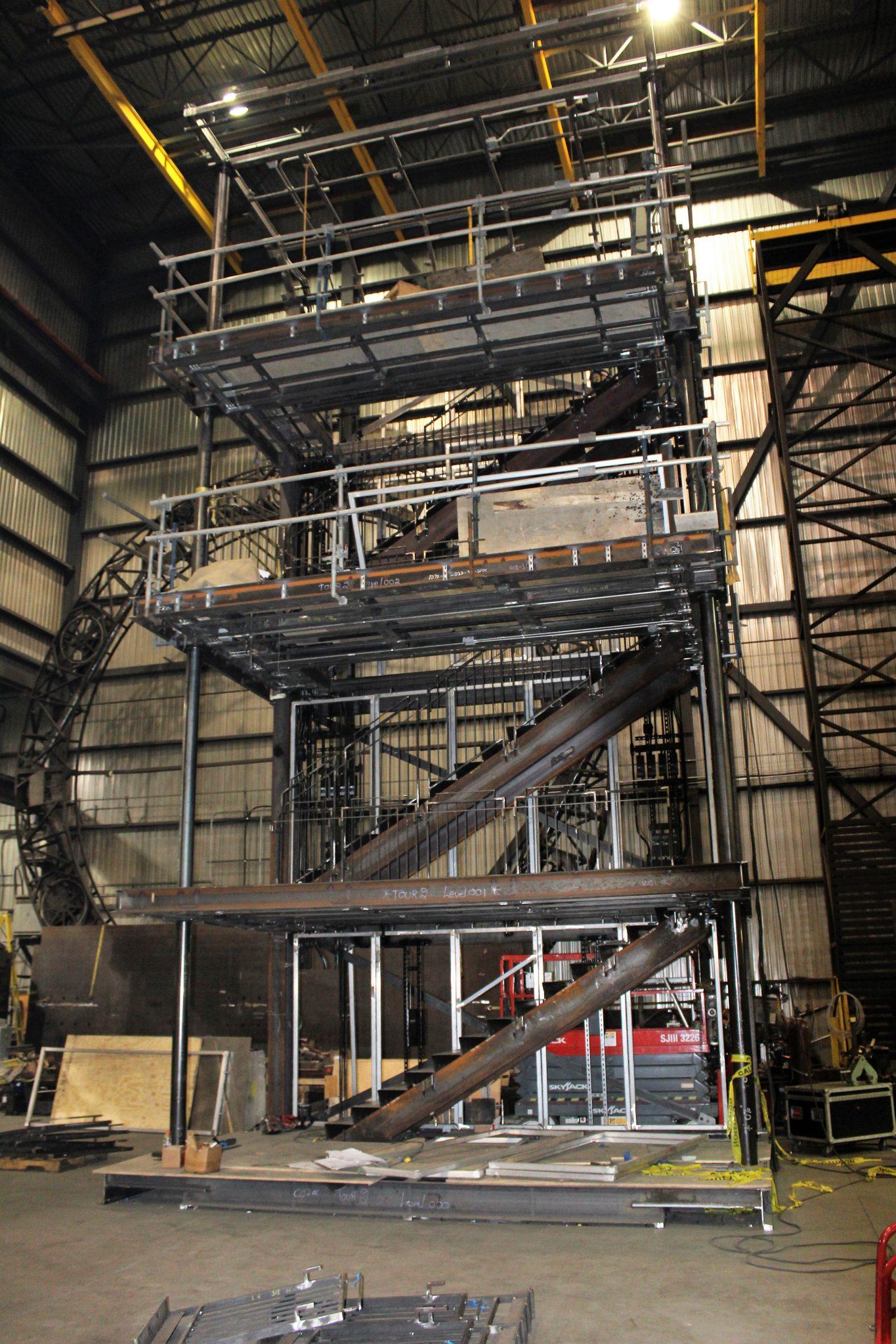 Fabrication des tours en usine