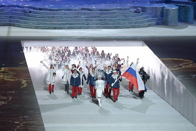 Arrivée des athlètes russes par la rampe