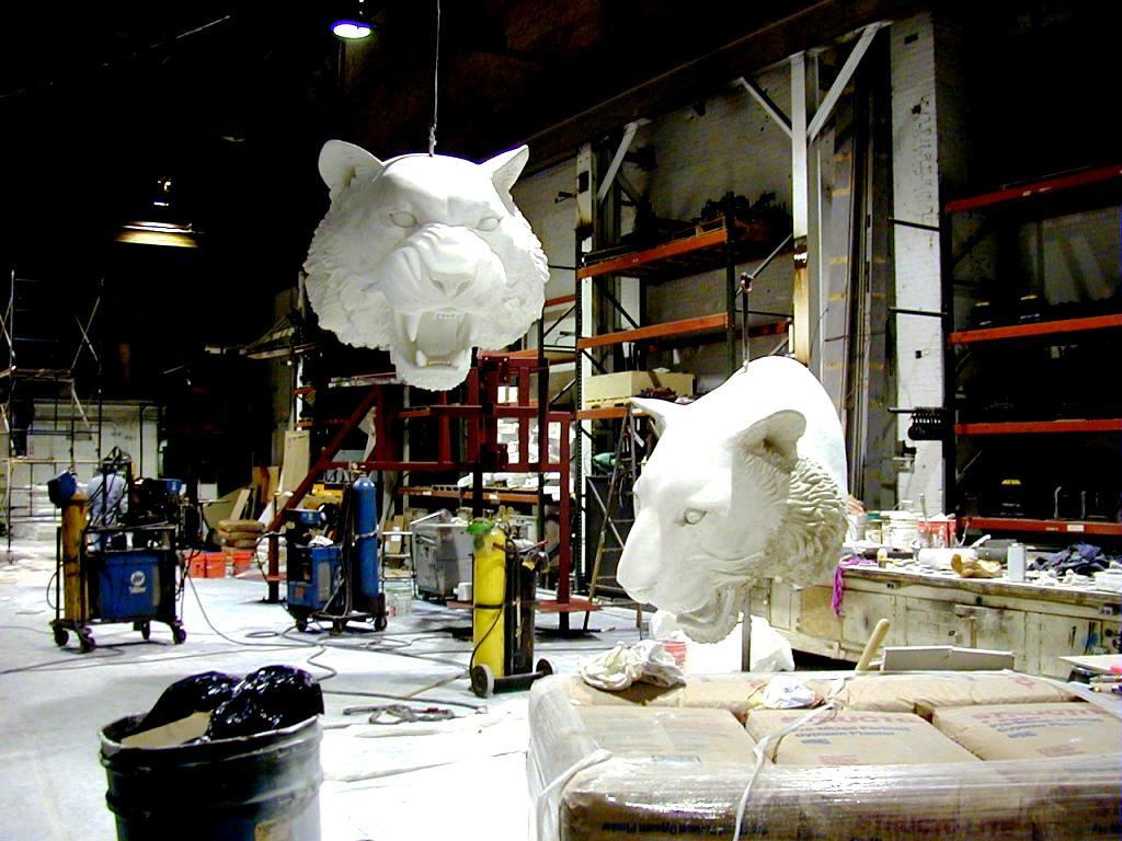 Fabrication des têtes de tigres dans notre usine